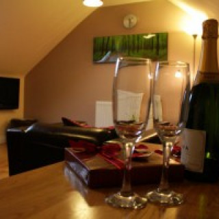Laura's Loft - self catering for couples - COVID SECURE